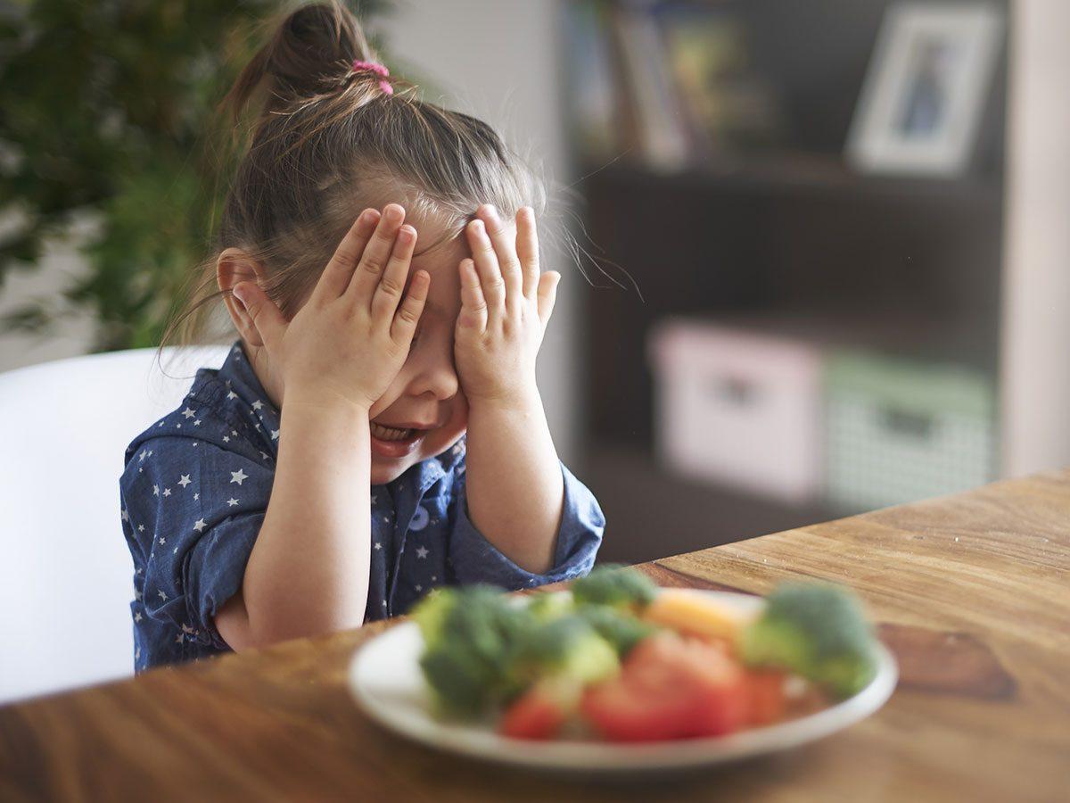 Funny parenting tweets - Kid hates food