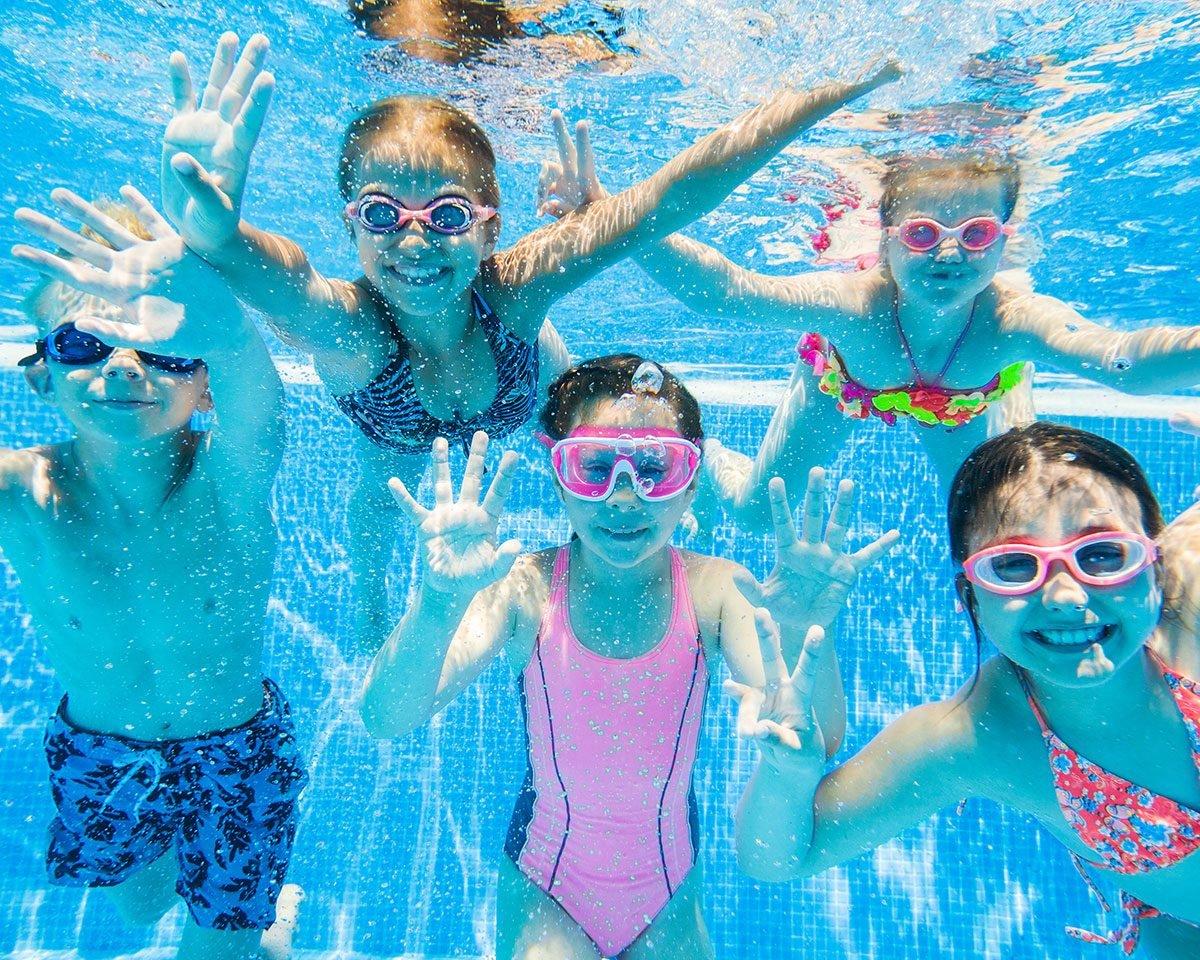Funny parenting Tweets - kids in a pool