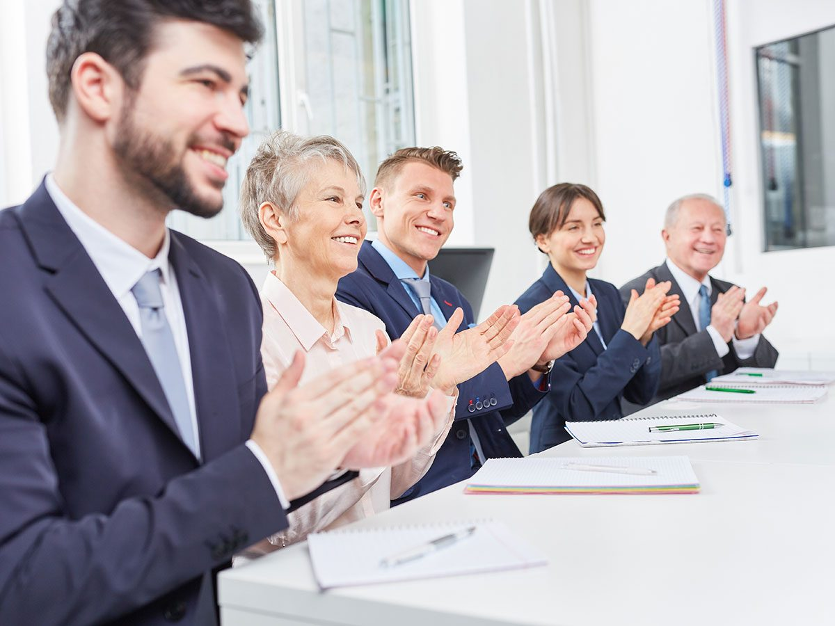 Funny work jokes - round of applause at the office