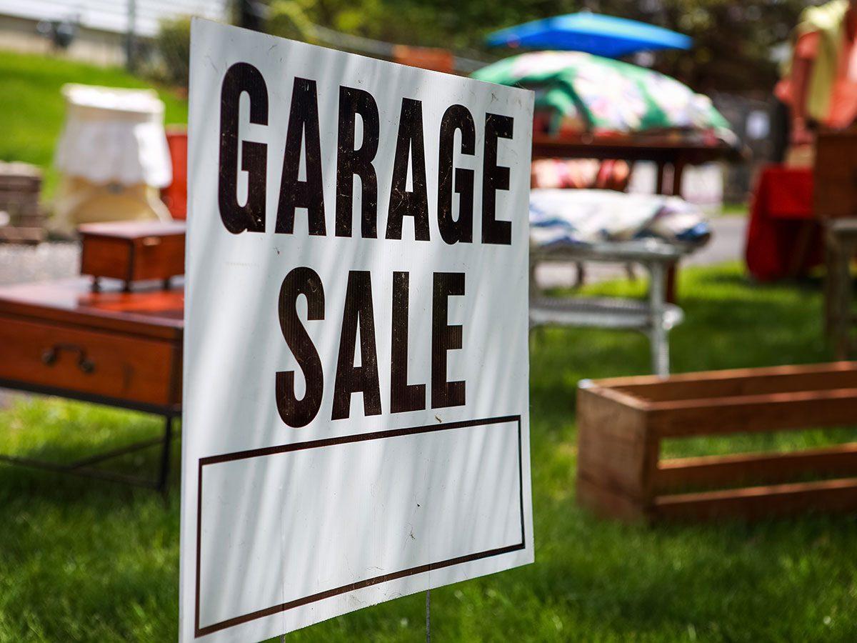Hilarious DIY jokes - garage sale