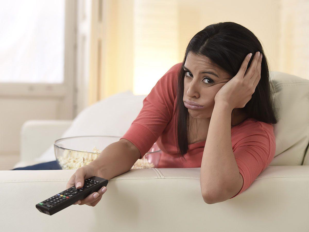 Hilarious DIY Jokes - Woman watching TV