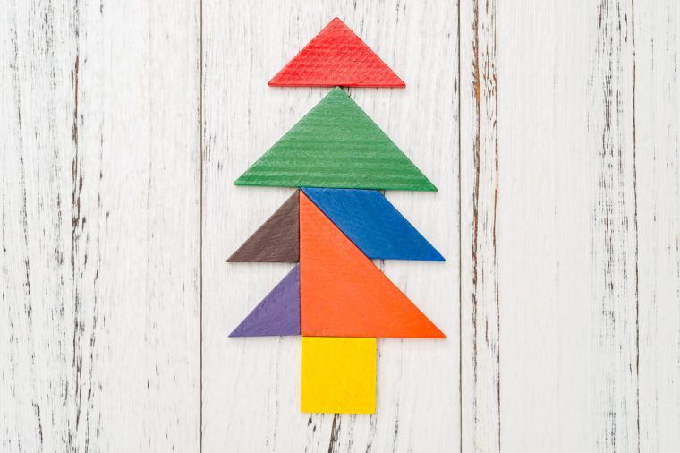Christmas tree made by wooden tangram
