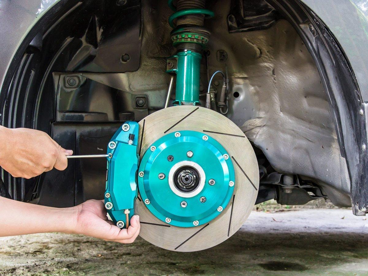 Calipers and pads, car brake rotors