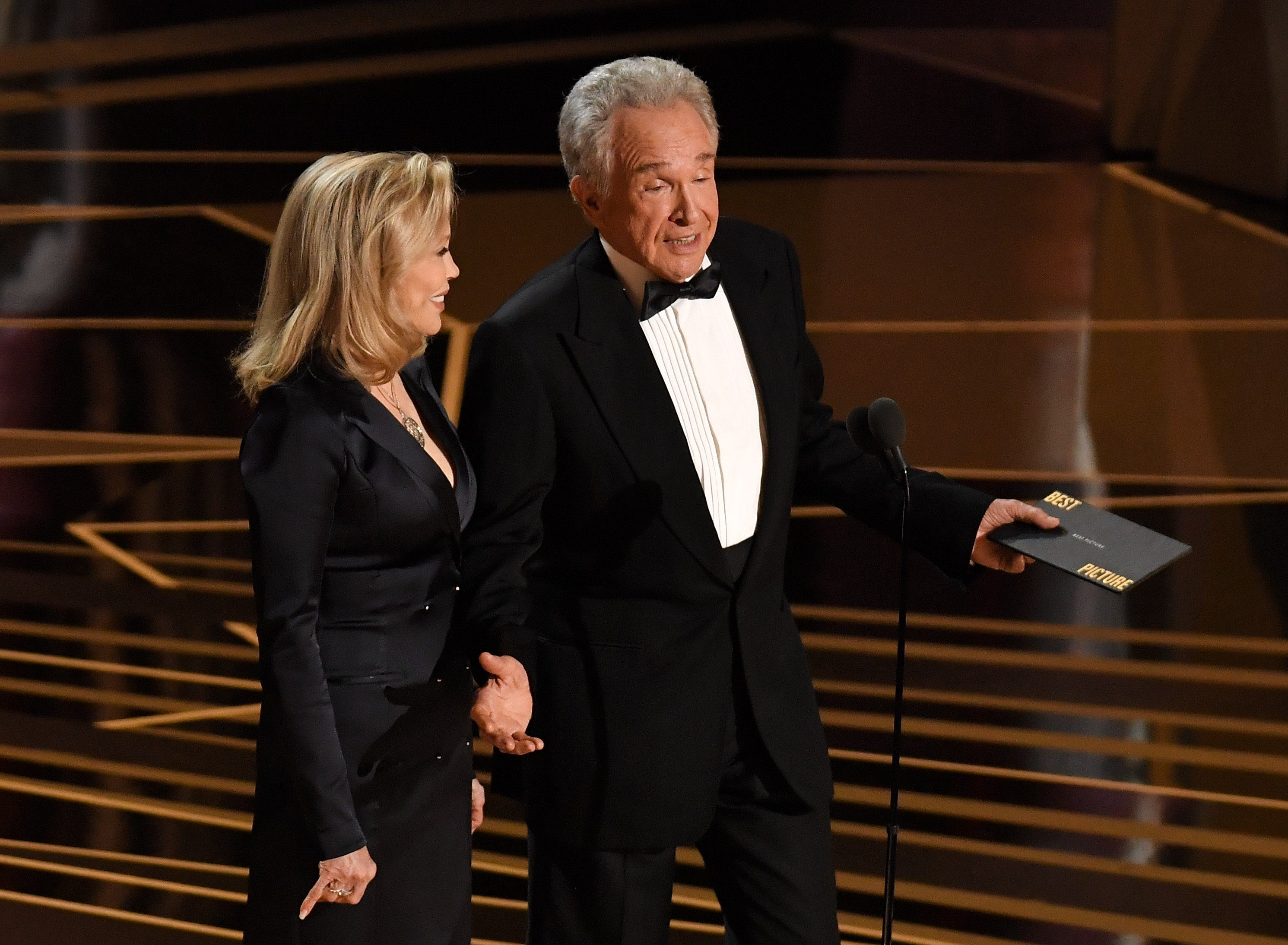 2018 oscars moonlight la la land Warren Beatty Faye Dunaway