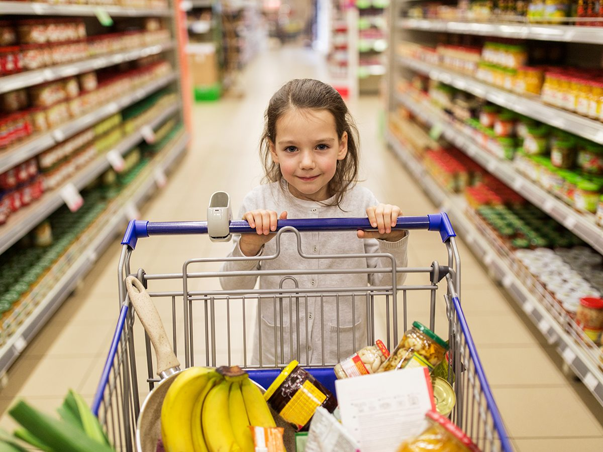 Funny parenting tweets - kid at grocery store