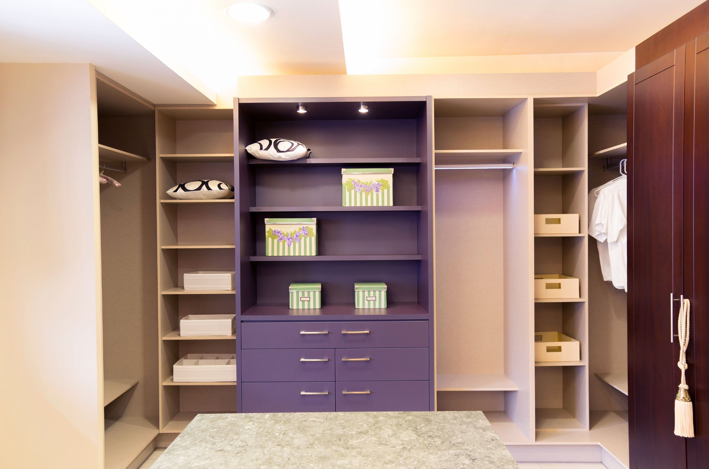 13 things personal organizers wont tell you walk in closet