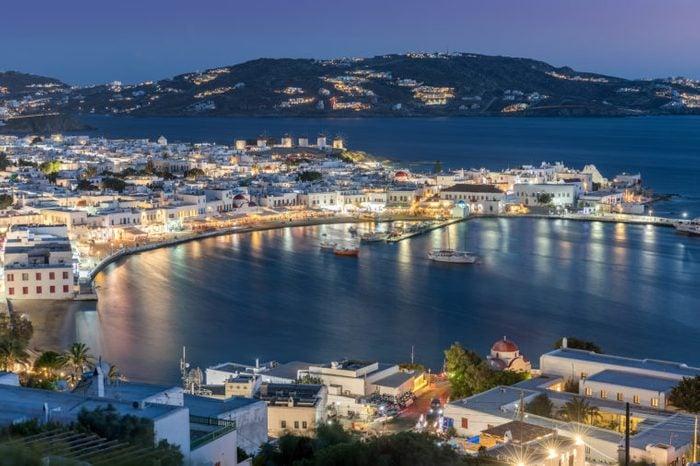 mykonos party greece