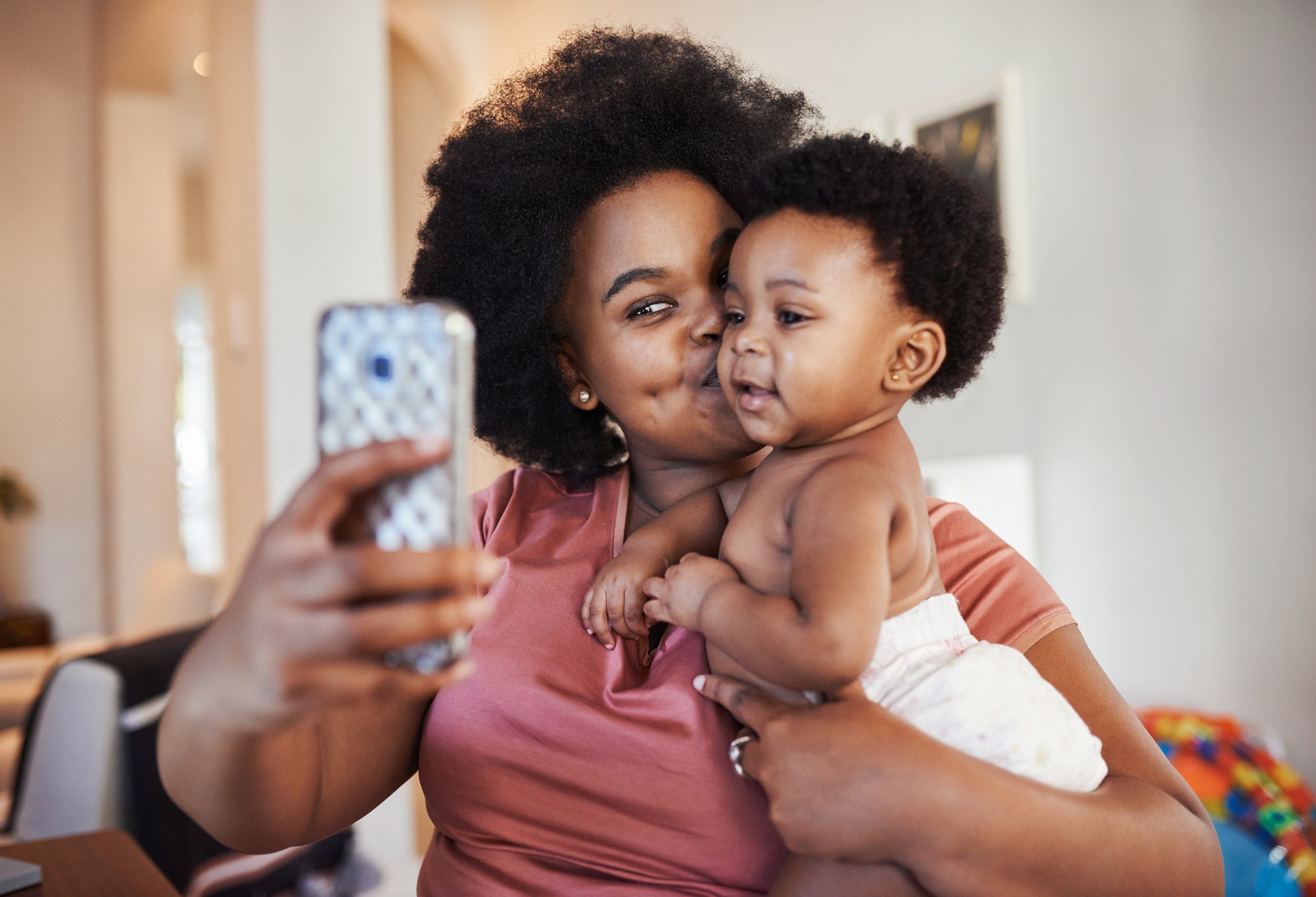 selfie mom and baby
