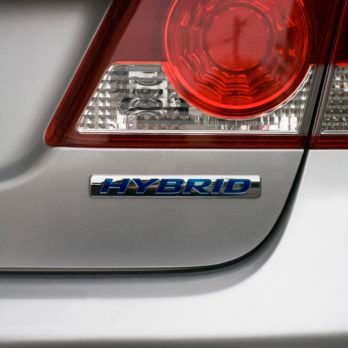 The Problem with Hybrid Cars That No One Is Talking About