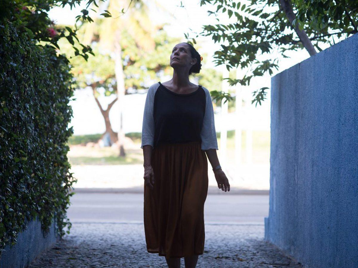 """Underrated movies on Netflix: Sonia Braga in """"Aquarius"""""""