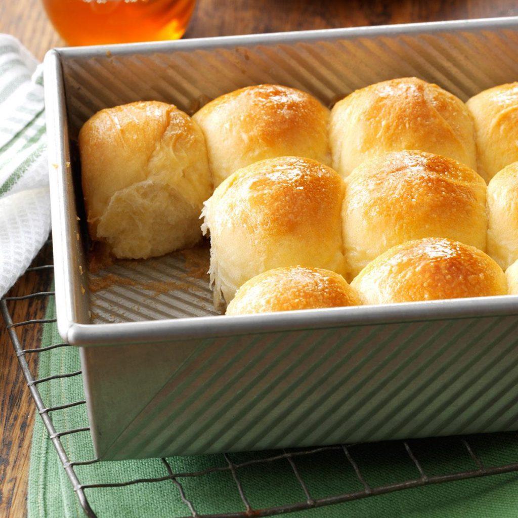 Golden honey pan rolls recipe
