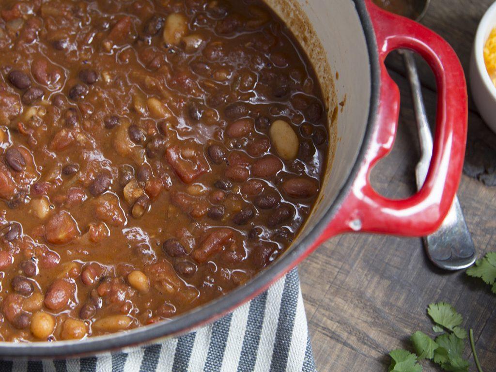 Budget-friendly veggie chili