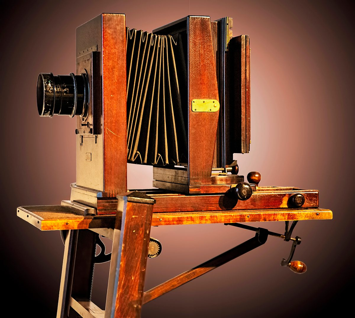 Canadian history - antique camera