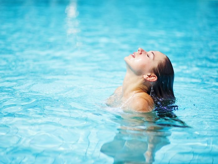 Home remedies for dry hair - woman in pool