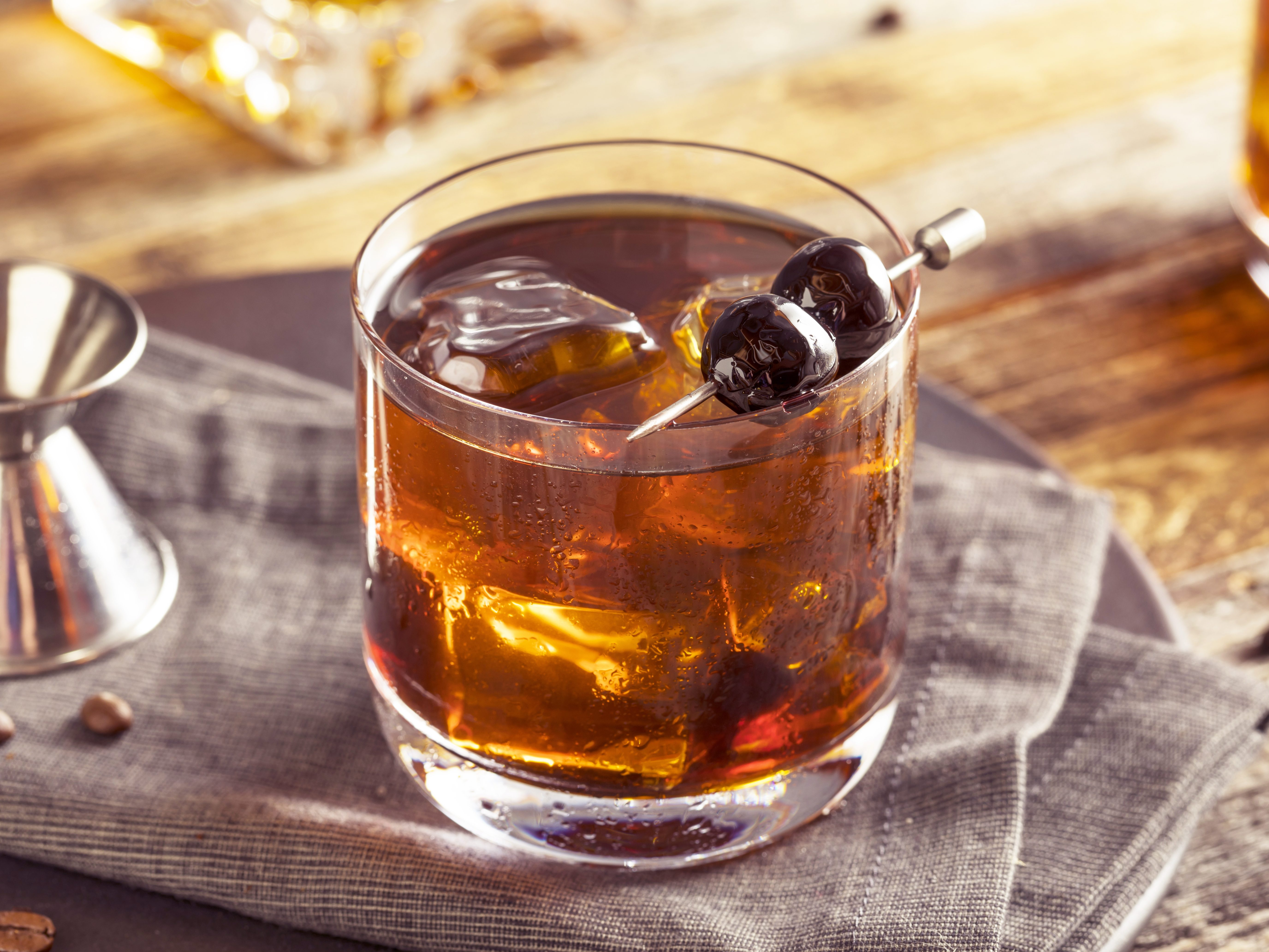Maple old fashioned cocktail recipe