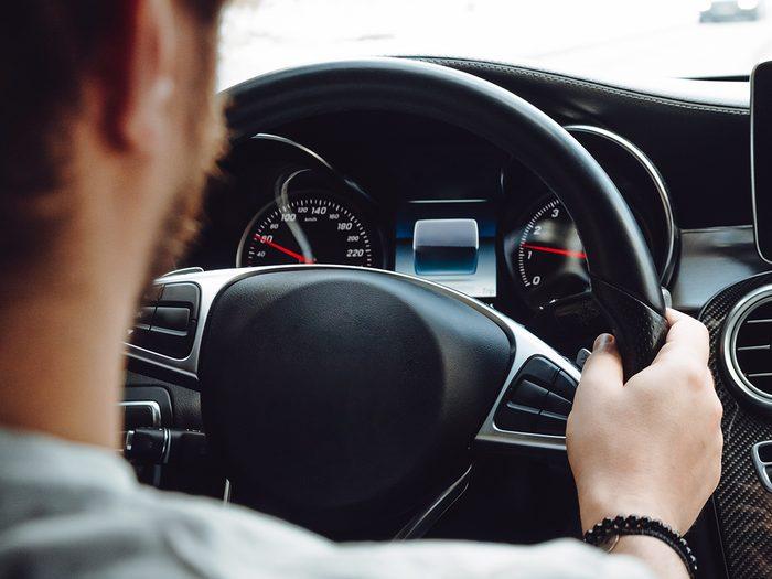 Why does my steering wheel shake - hands on steering wheel