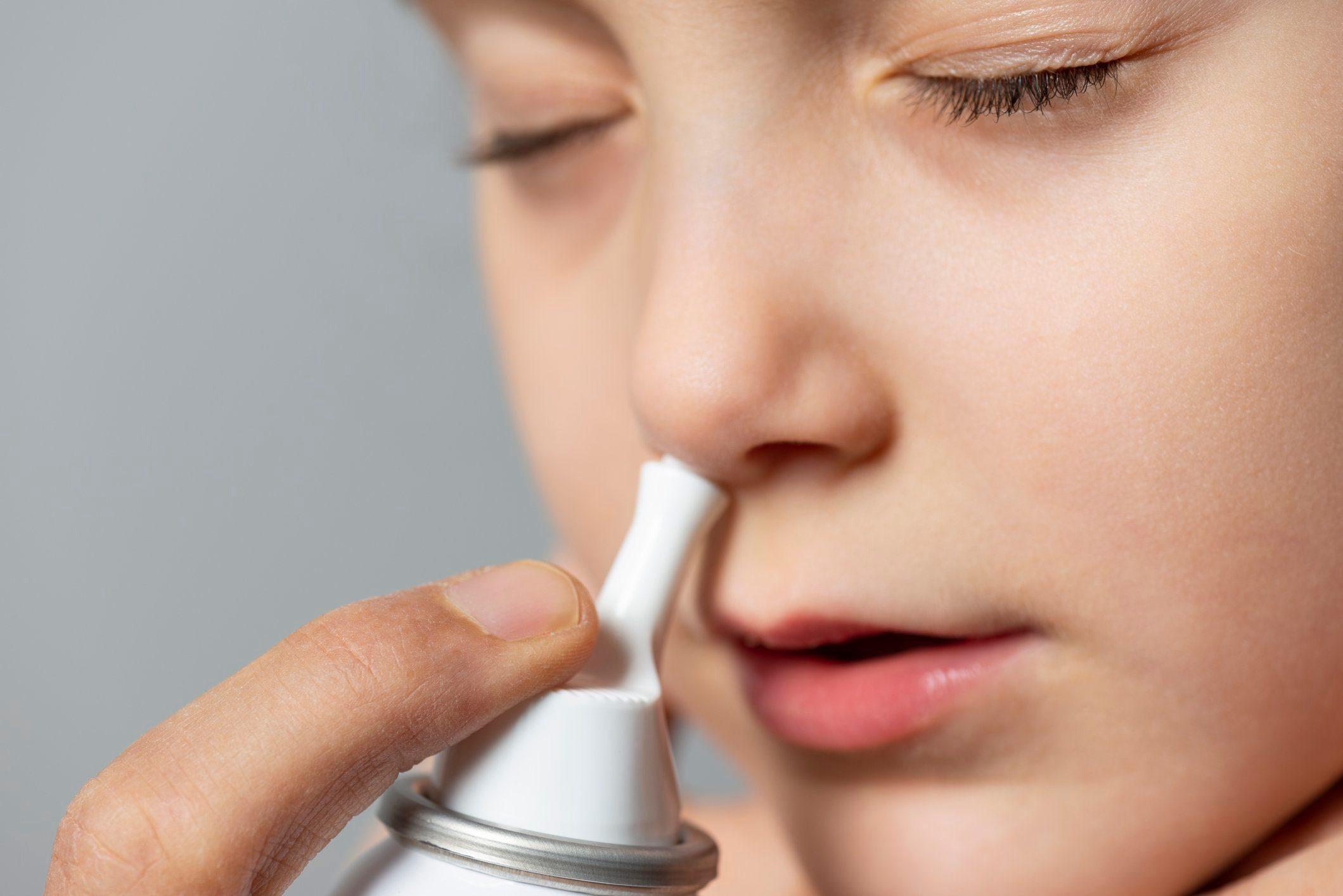 nasal spray aerosol can