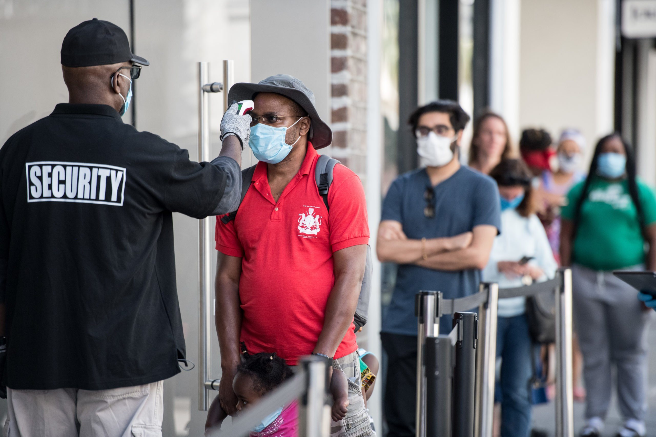 Apple Re-Opens Retail Store In Charleston, SC Amid COVID-19 Pandemic