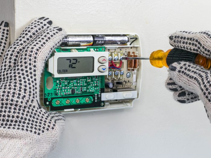 Repairing thermostat