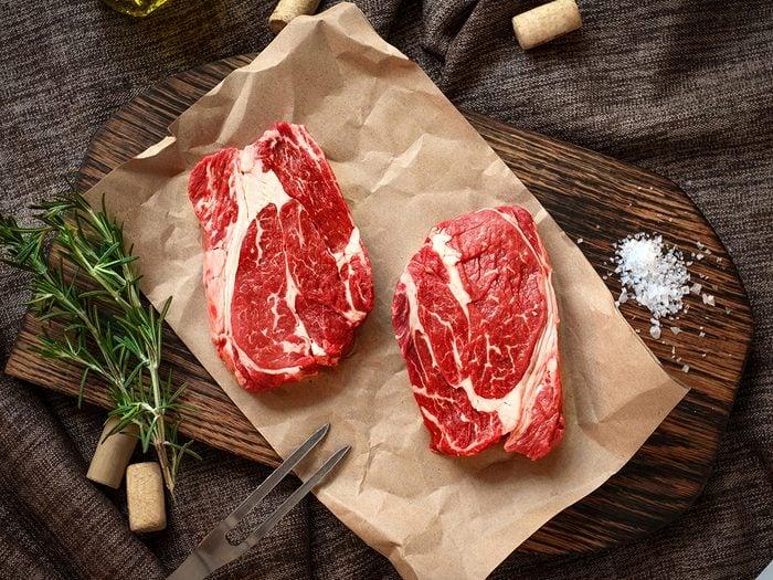 Dirty kitchen items - raw steak