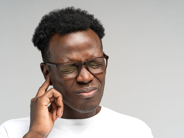Signs of acid reflux - man with tinnitus