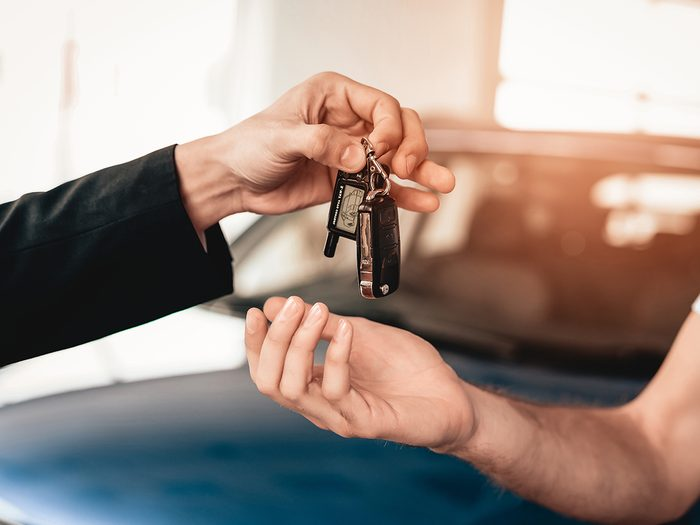 What happens to trade in cars? Handing over car keys to dealer