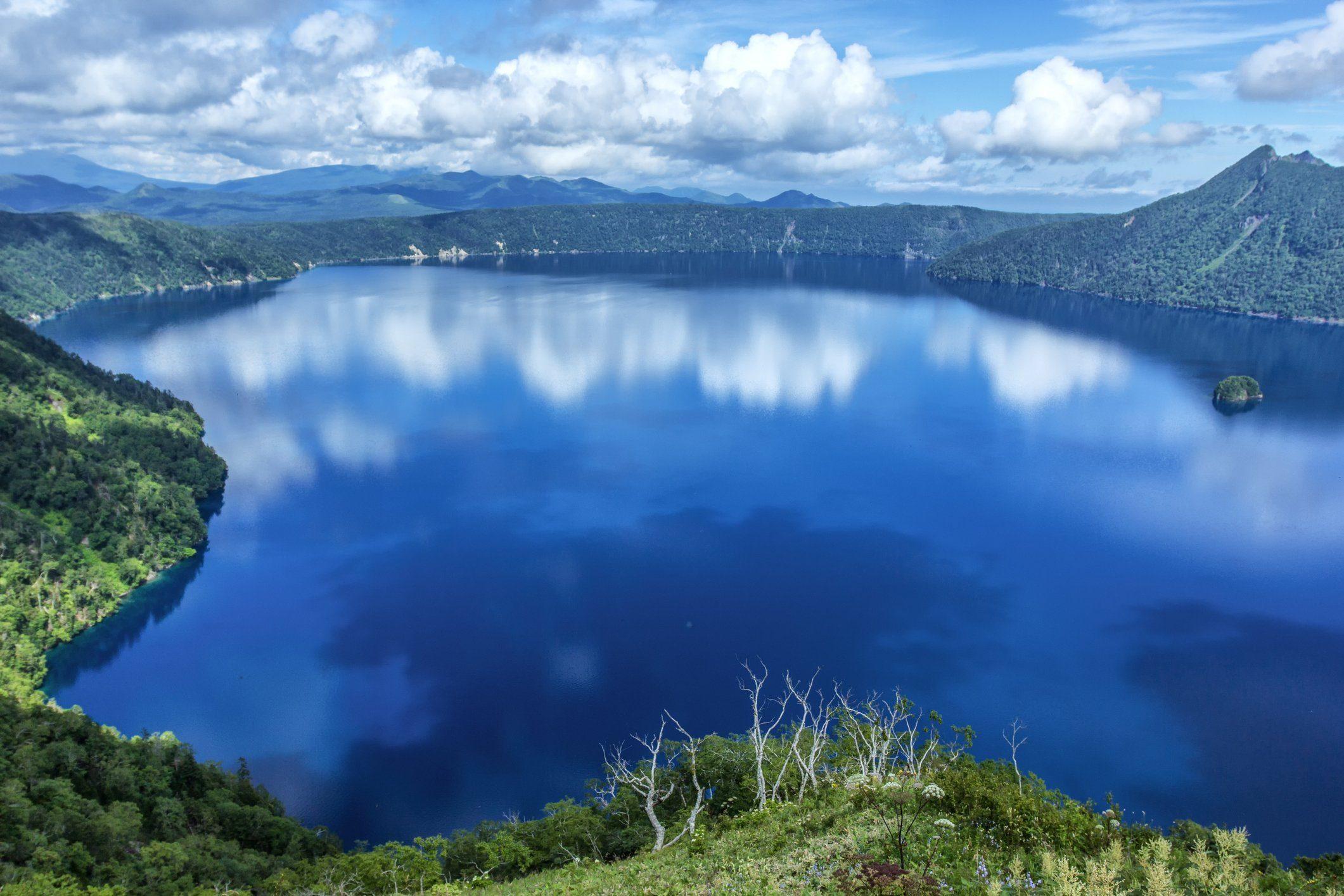 Lake Mashu of blue