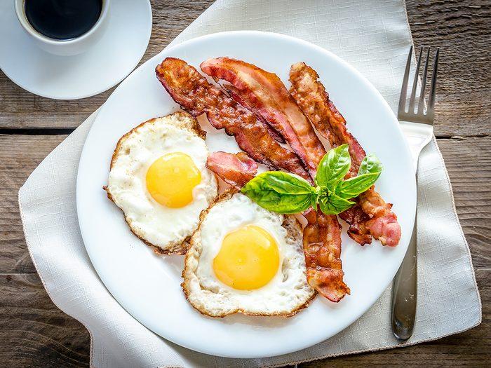 Bacon tips - bacon and eggs for breakfast