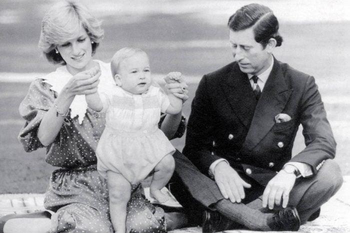 00-Stunning,-Rarely-Seen-Photos-of-Princess-Diana_1043075a_EDITORIAL_James-GrayDaily-MailREX