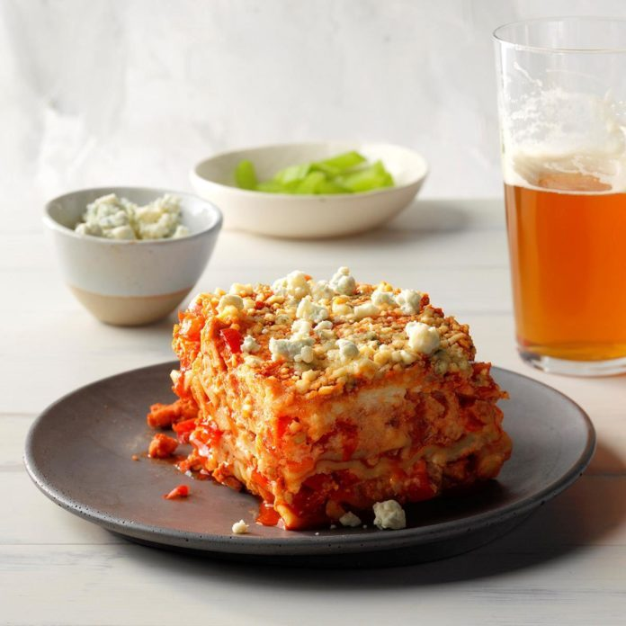 Slow cooker buffalo chicken lasagna recipe