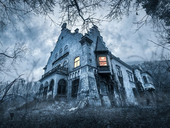Hilarious tweets - haunted house