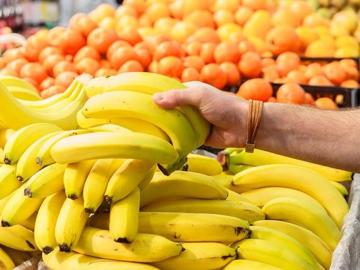 How to keep bananas longer