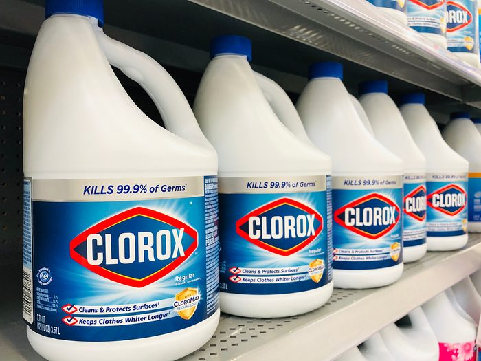 Does bleach expire - bleach bottles at grocery store