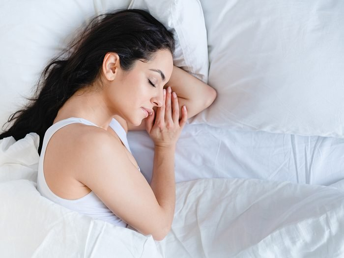 What is the best sleeping position - woman sleeping on her side