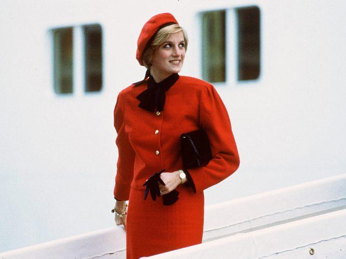 Why you rarely saw Princess Diana wearing gloves - Princess Diana wears a charm bracelet aboard