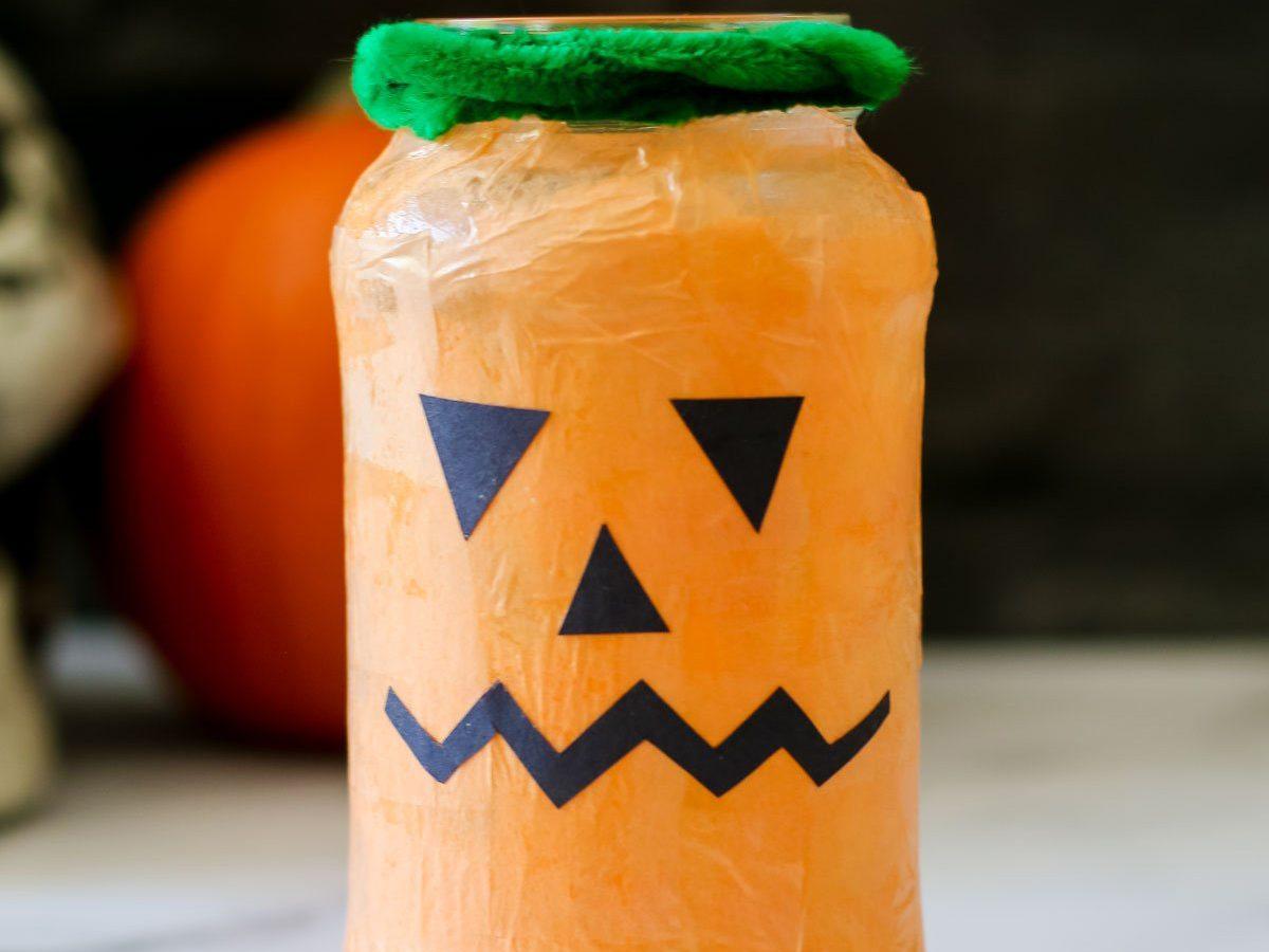 Easy halloween crafts for kids - Pumpkin Lantern