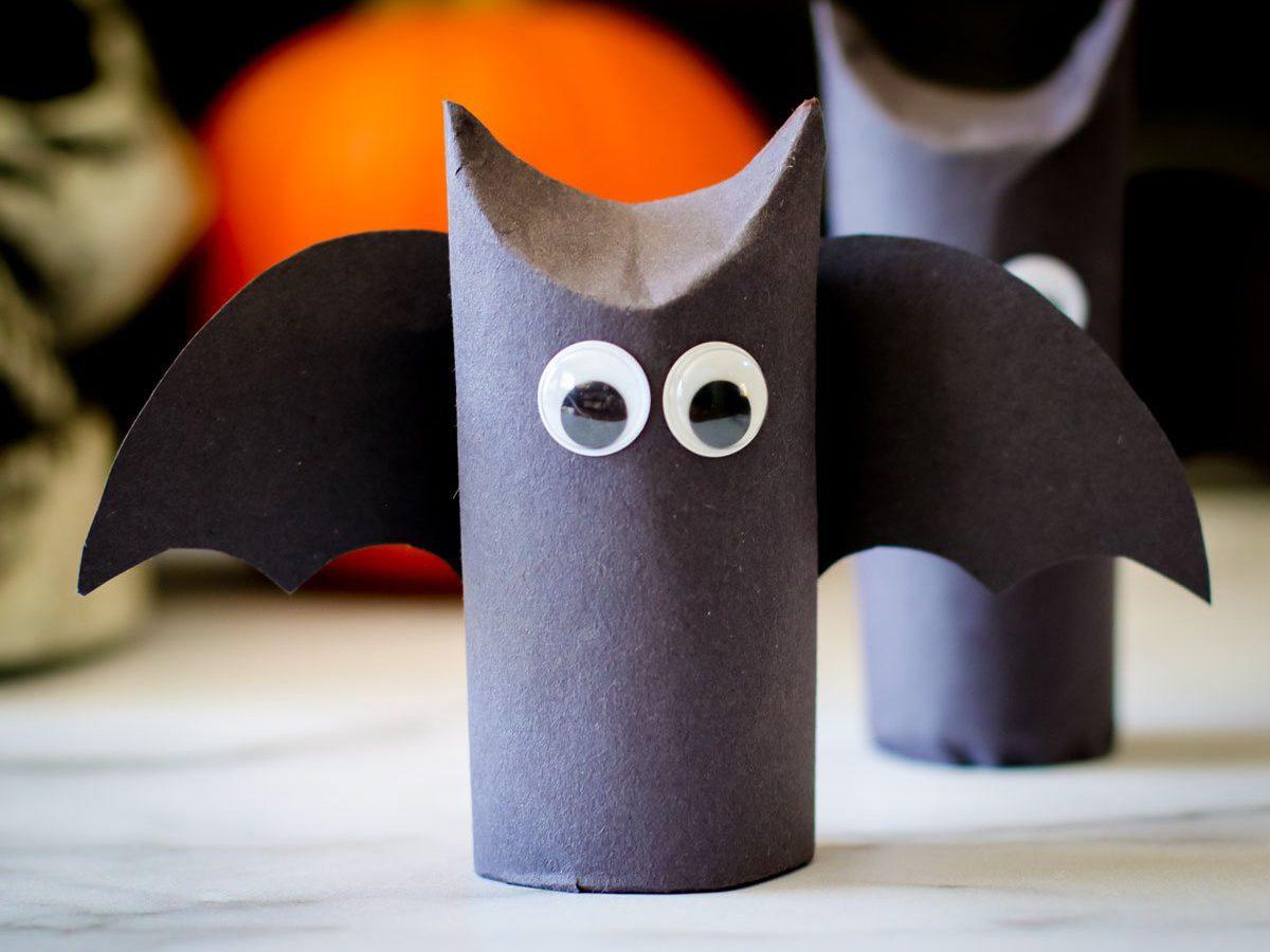 Easy halloween crafts for kids - Spooky paper bat