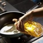 The Healthiest Cooking Oils, According to Food Experts