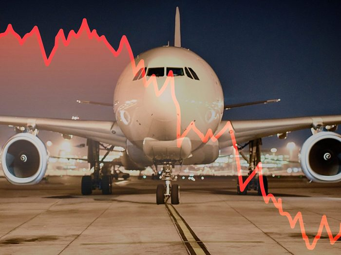 What airlines losing money could mean for you - Concept of economic crisis in aviation industry