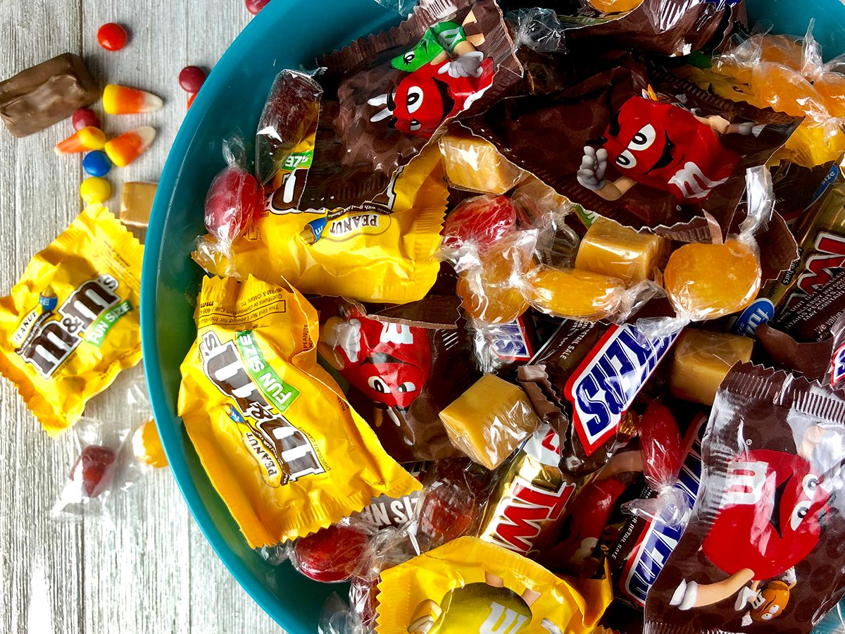 What to do on Halloween during COVID-19 - Halloween candy