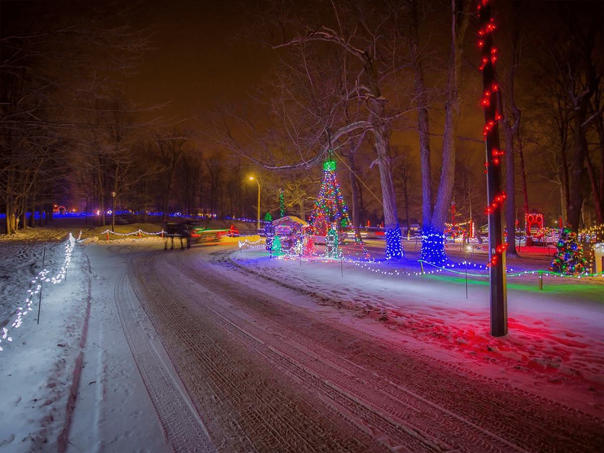Drive-through light displays across Canada - Uxbridge Fantasy of Light