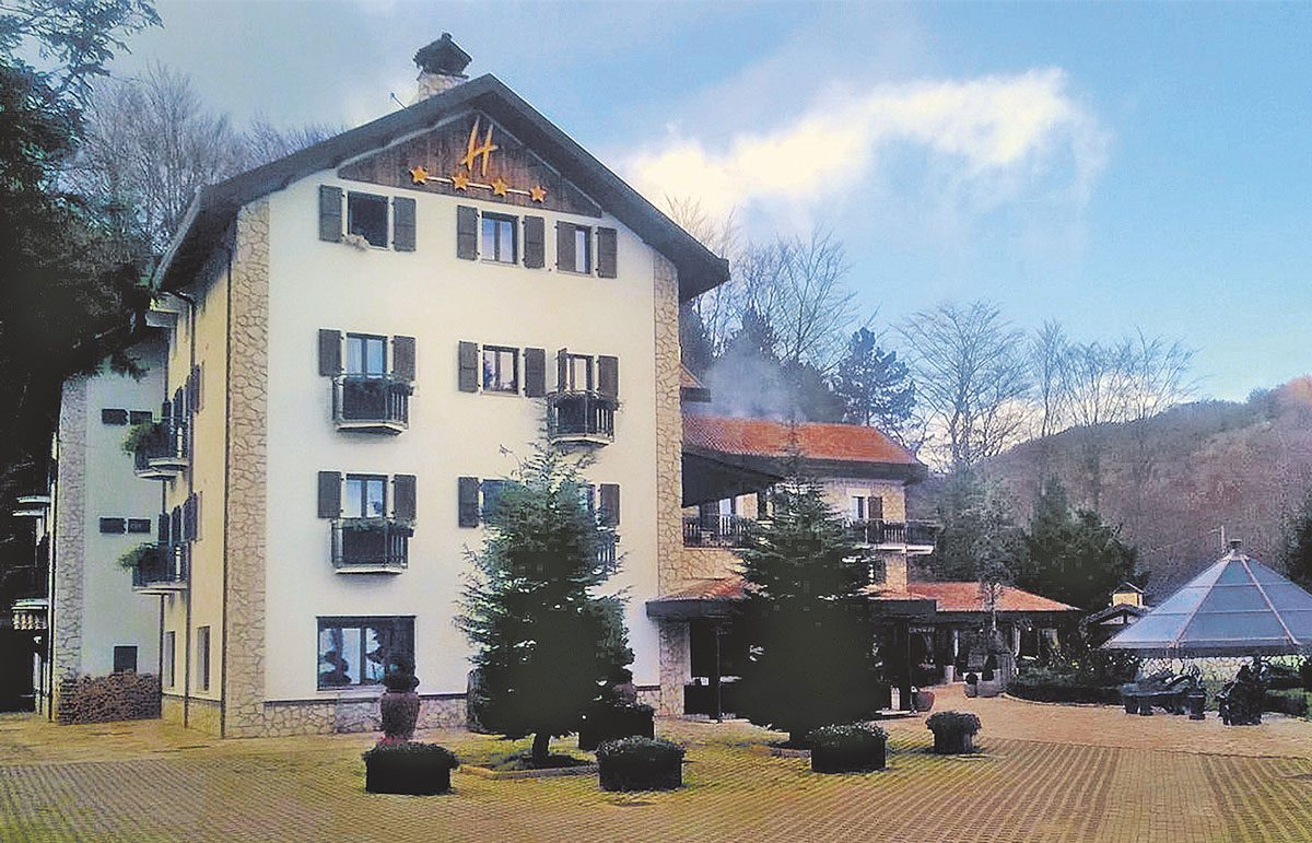Hotel Rigopiano before the avalanche