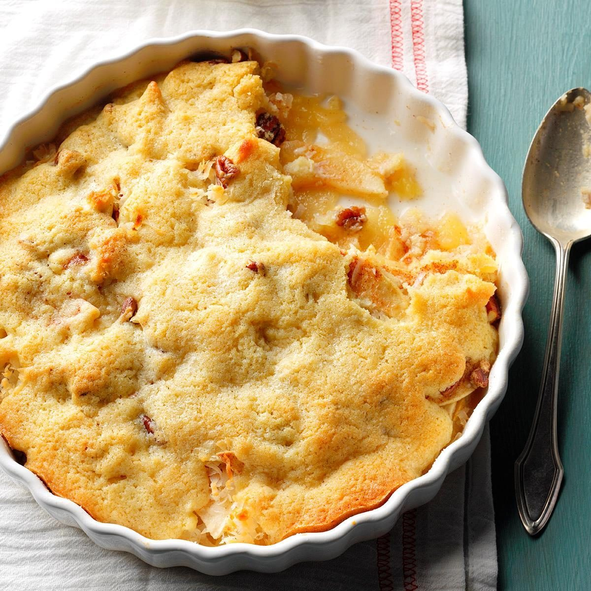 Macaroon Apple Cobbler