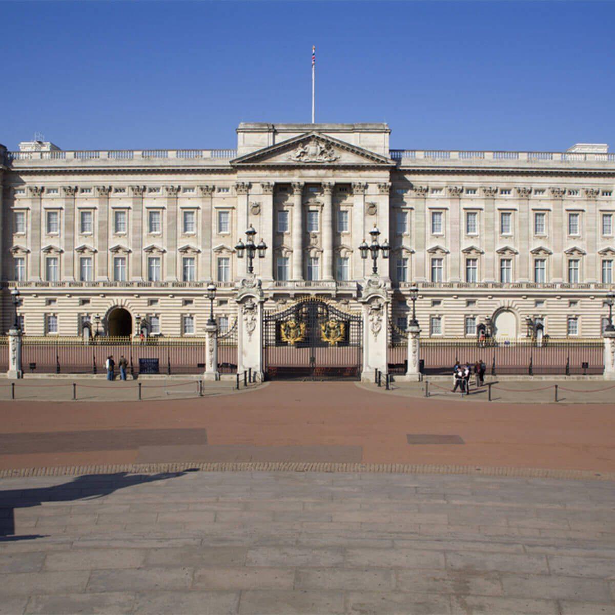 Buckingham Palace British royal family british palaces