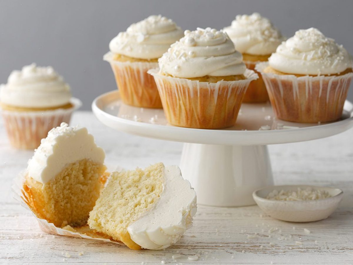 How to Make Vanilla Bean Cupcakes