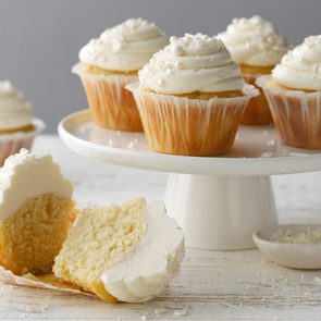 How to Make Vanilla Bean Cupcakes