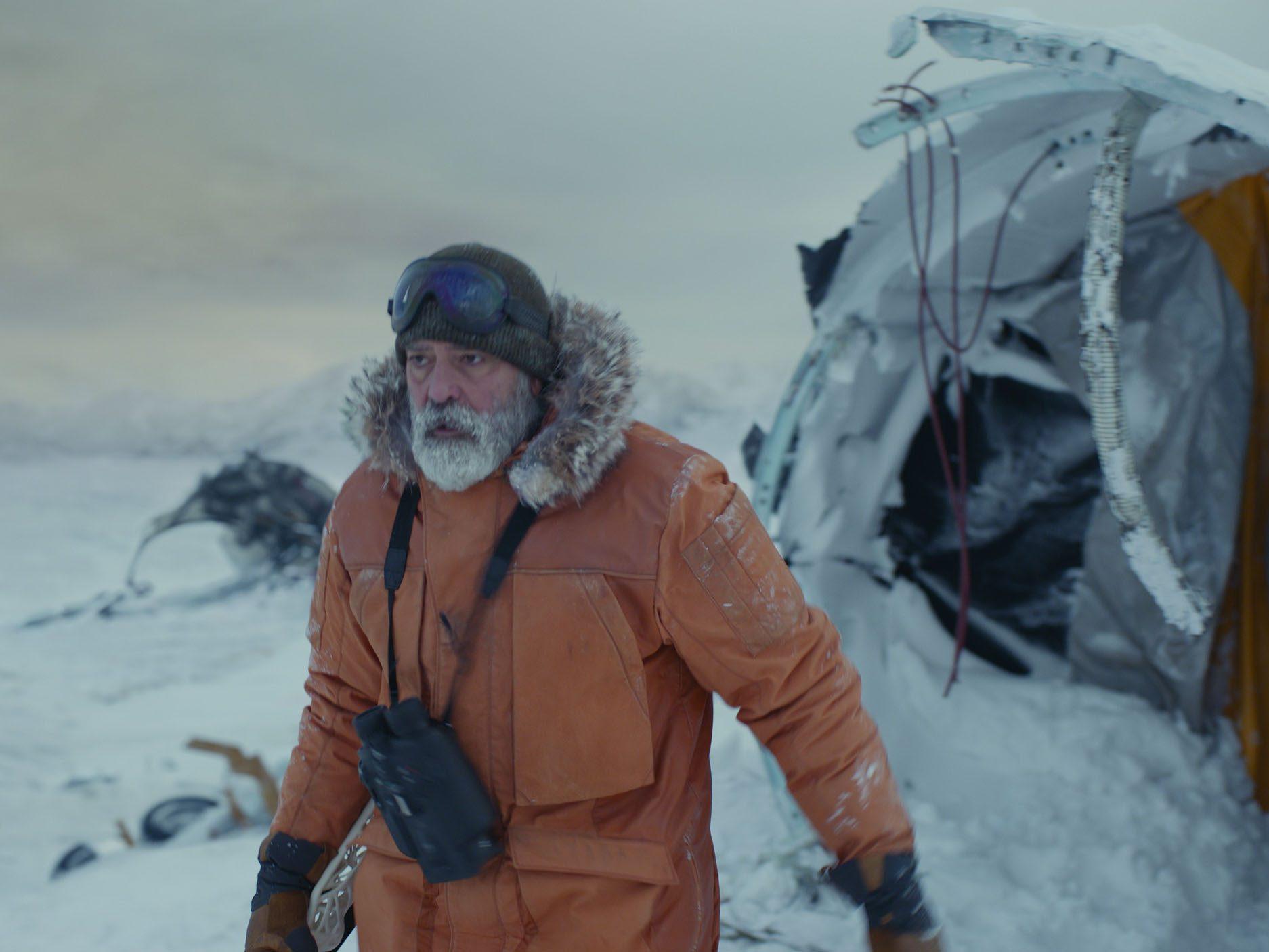 Best sci-fi movies on Netflix - The Midnight Sky