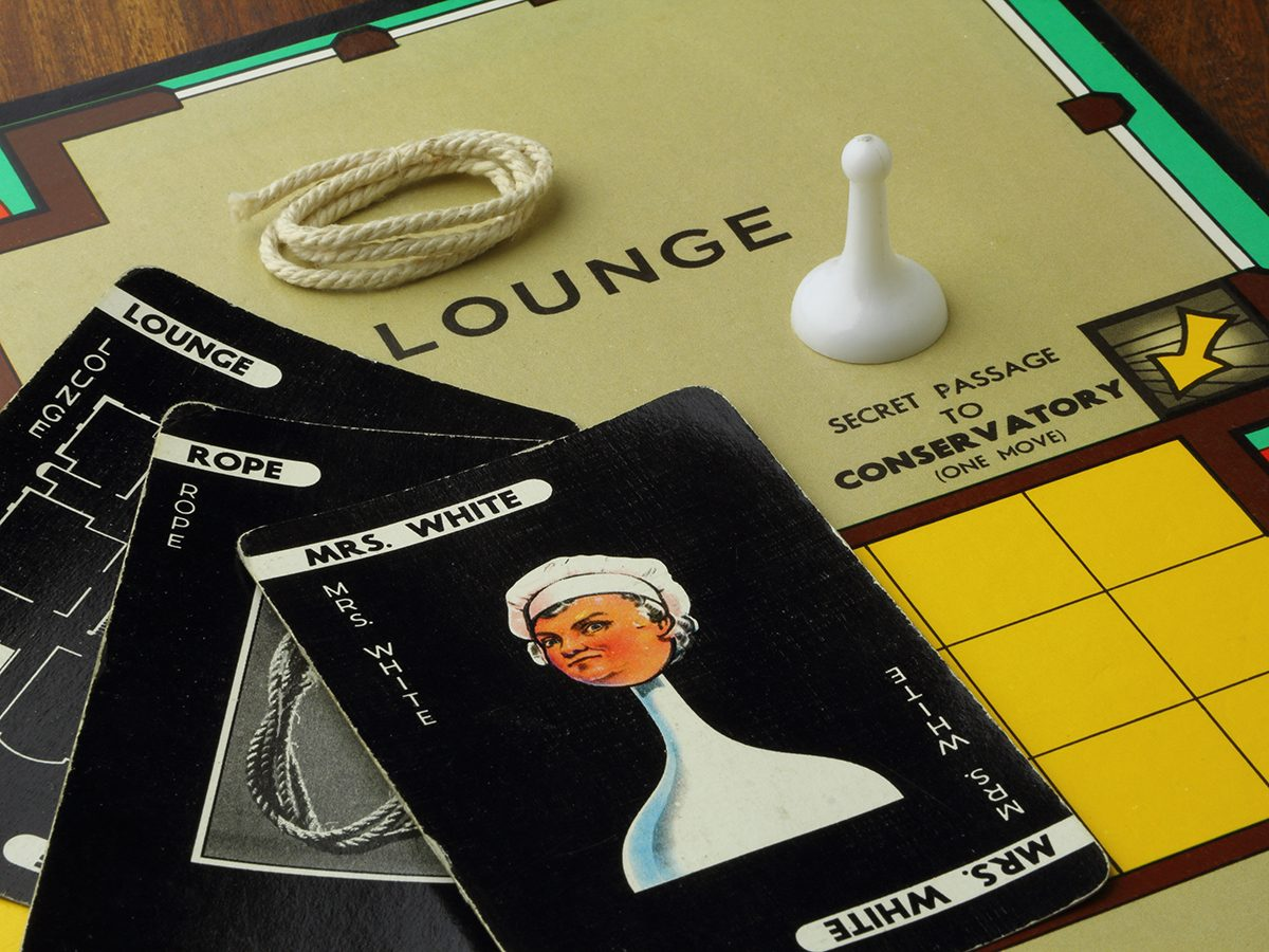 Clue Retro - 1960s edition of the country house murder mystery game Cluedo or Clue - Patented in the UK by John Waddington Games in 1947