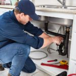 6 Things Professional Plumbers Never Do in Their Own Homes