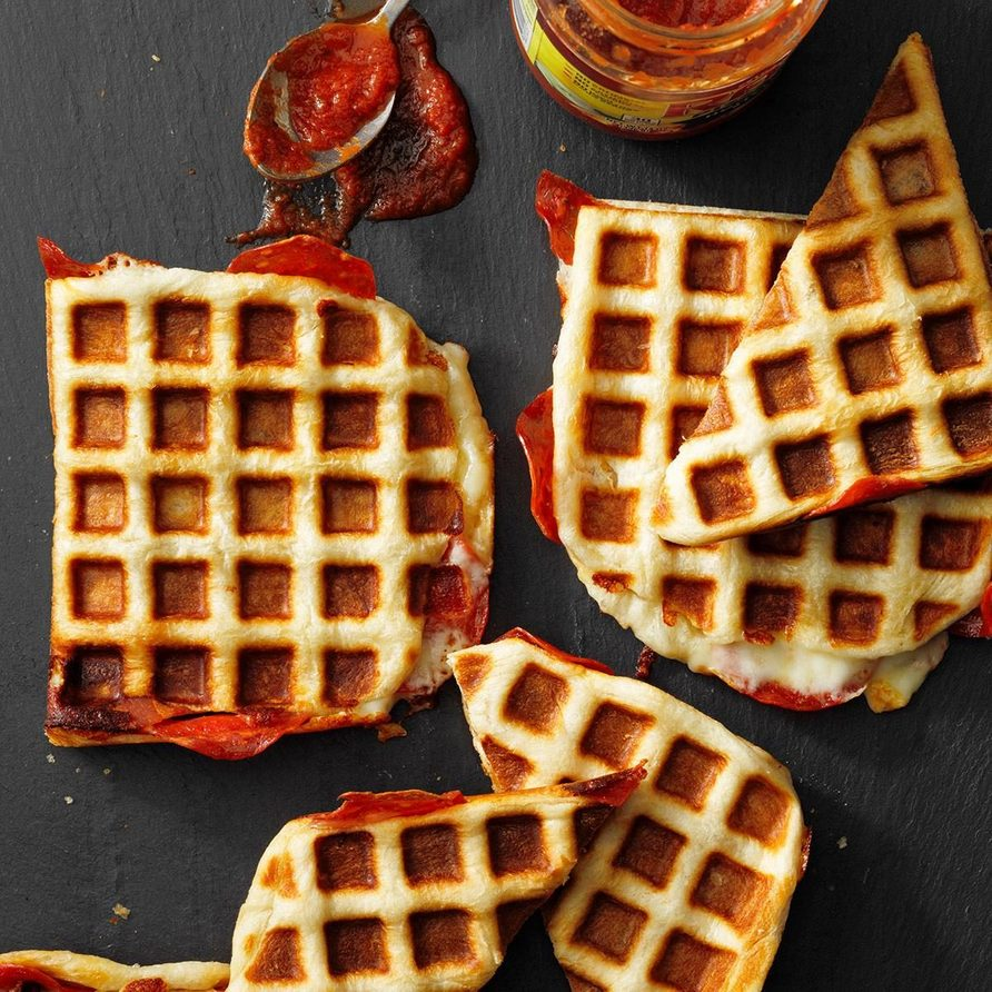Waffle Iron Pizzas Exps Tohfm21 187180 E09 22 13b
